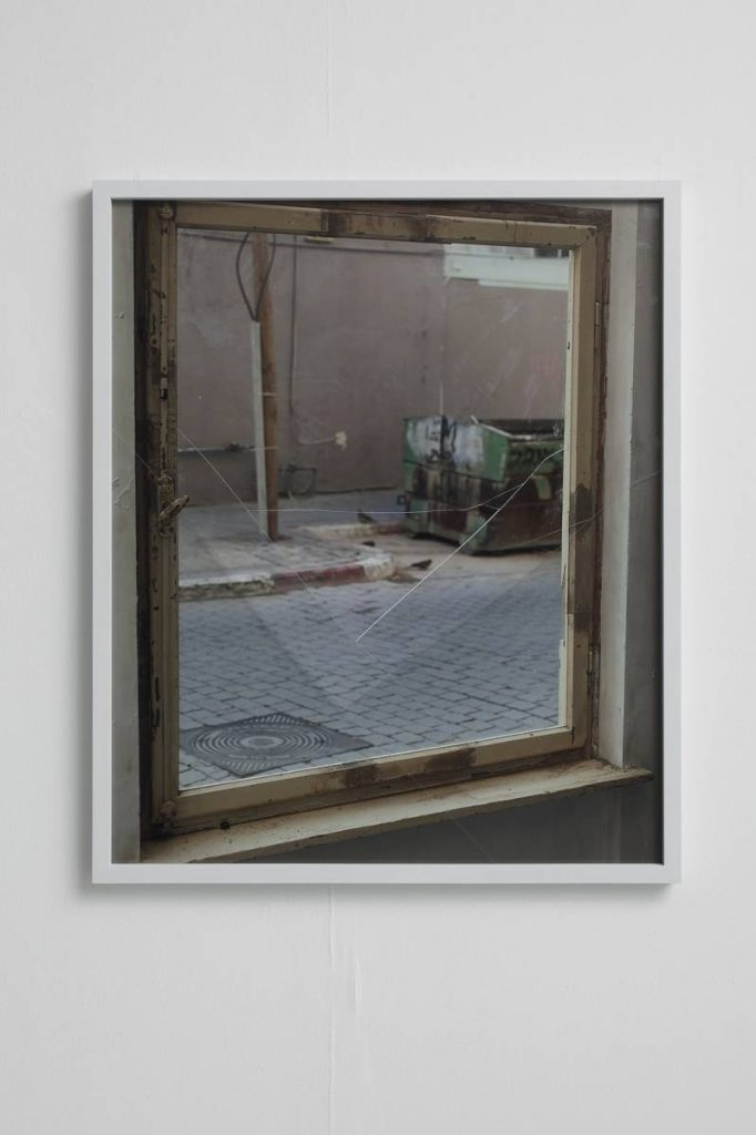 Ariel Schlesinger, The Kid, 2013, Archival Pigment print, Glass, 116x96 cm
