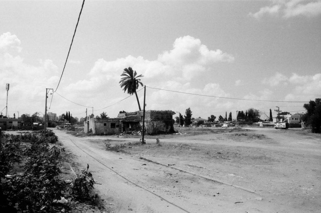 Dor Guez, Al-lydd 2, 2010, black and white print, 35 x 50 cm, edition of 6 + 2AP