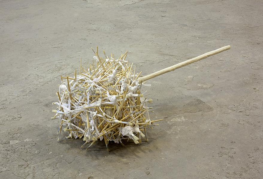 Etti Abergel, Untitled, 2011, Brushes, tricot, pole