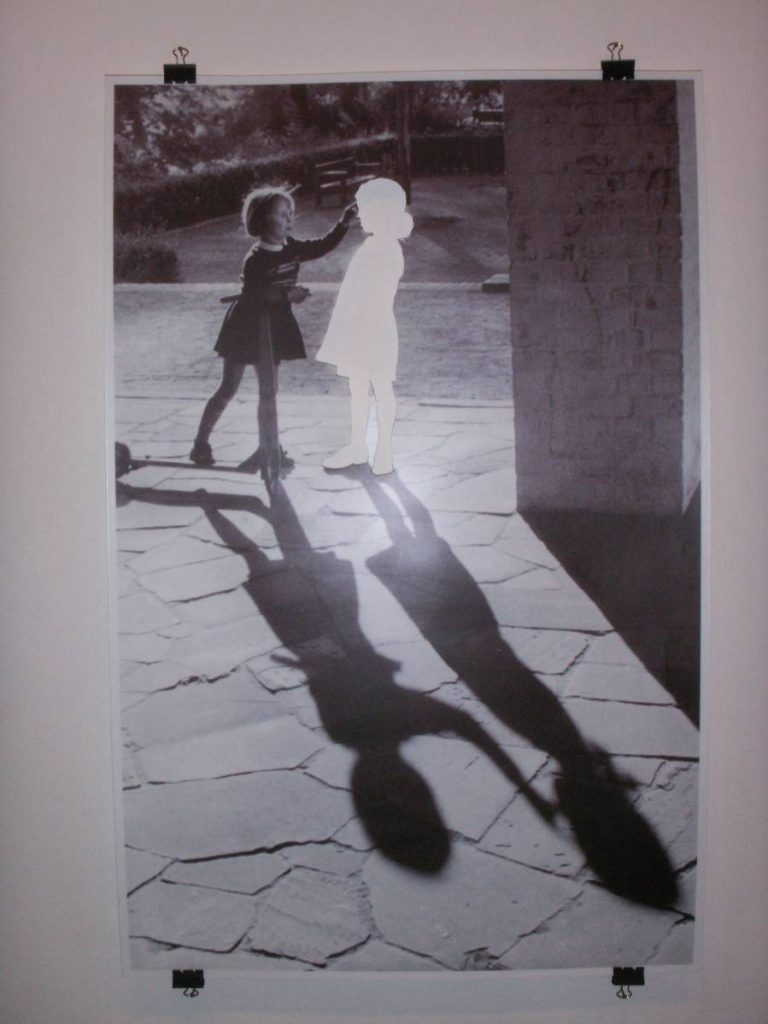 Hans-Peter Feldmann, Two Girls, 2000, poster, 60 x 90 cm