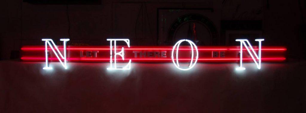 Jonathan Monk, Pre-Birth Communication (New York), 2011, neon light installation, 20 x 183.5 x 14 cm