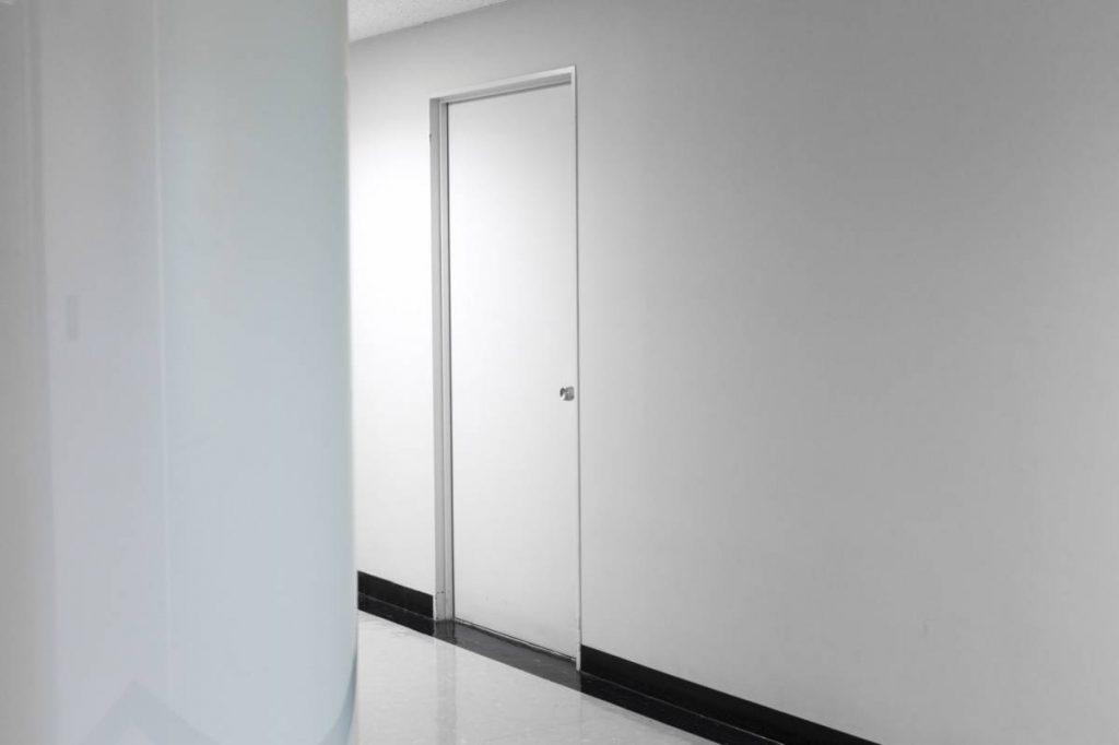 Yossi Breger, Door, Tokyo, 2012, color photograph, 24.1 x 32.9 cm, edition of 5