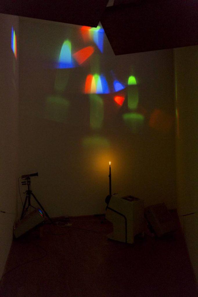Yossi Breger, Lights (One Candle, Nam June Paik, 1988), 2013, MMK Museum für Moderne Kunst, Frankfurt, 24.1 × 32.9 cm