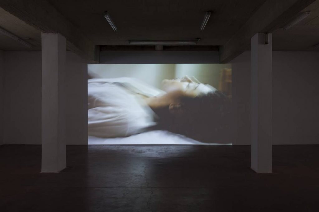 Adel Abdessemed, Solitude, 2014, HD video projection (loop), color, sound, 1 min 32 sec, edition of 5, music by Jean-Jacques Lemêtre