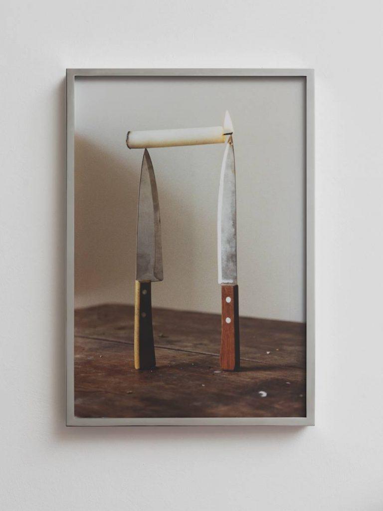 Ariel Schlesinger, Three commas club II, 2016, C-print, Aluminum frame, 62 x 43 x 4 cm