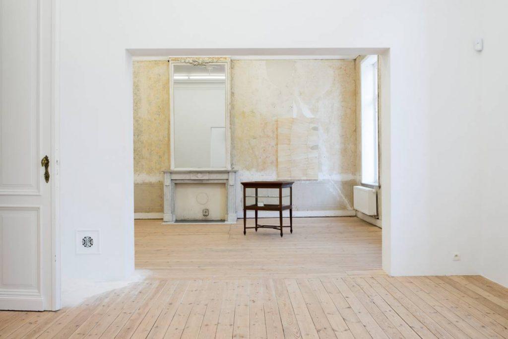 Simon Fujiwara, Nouvelles, 2016, Exhibition view