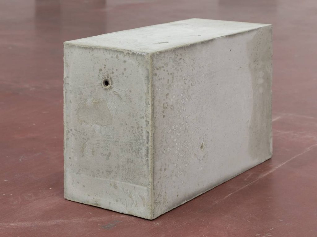 Jonathan Monk, Untitled (minimal means), 2015, concrete, metal, approximate dimensions: 30 x 49 x 20 cm (each), unique