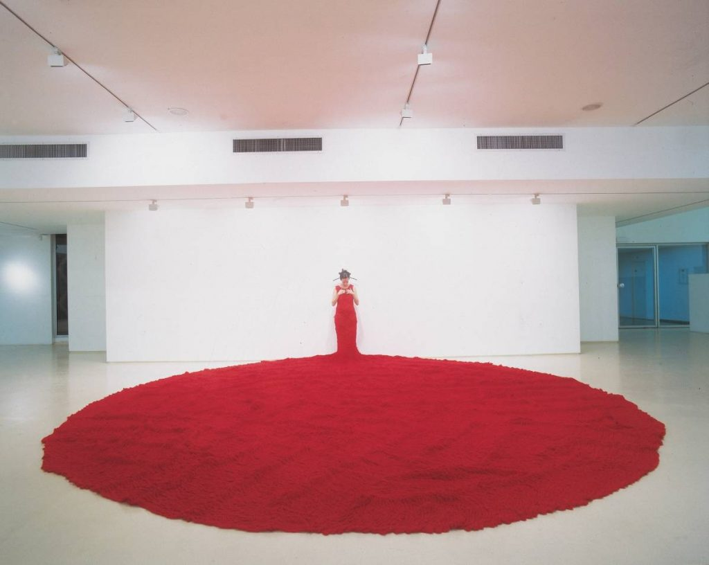Nelly Agassi, Whispers, 2004, coat hanger, knitting, 6 x 5 m installation, unique, installation view