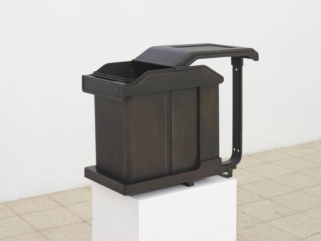 Simon Fujiwara, Ich (Swing Solo 20L), 2015, Mixed media and bronze gilding, 40 x 54 x 24 cm