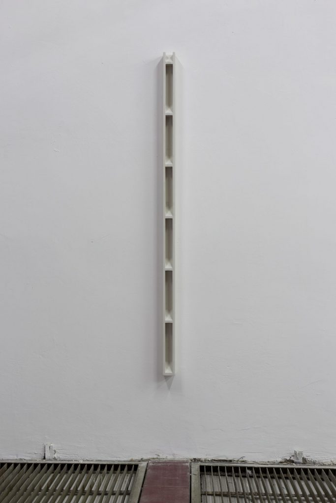 Florian Pumhosl, Plaster Object #3 (Formed speech), 2016, sealer on plaster, 159 x 6 x 6 cm, unique