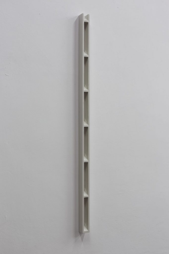 Florian Pumhosl, Plaster Object #3 (Formed speech) , (detail), 2016, sealer on plaster, 159 x 6 x 6 cm, unique