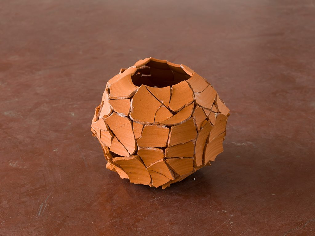 Ariel Schlesinger, Untitled (Inside Out Urn), 2013, Earthenware terra-cotta, 29x24x28 cm, Unique