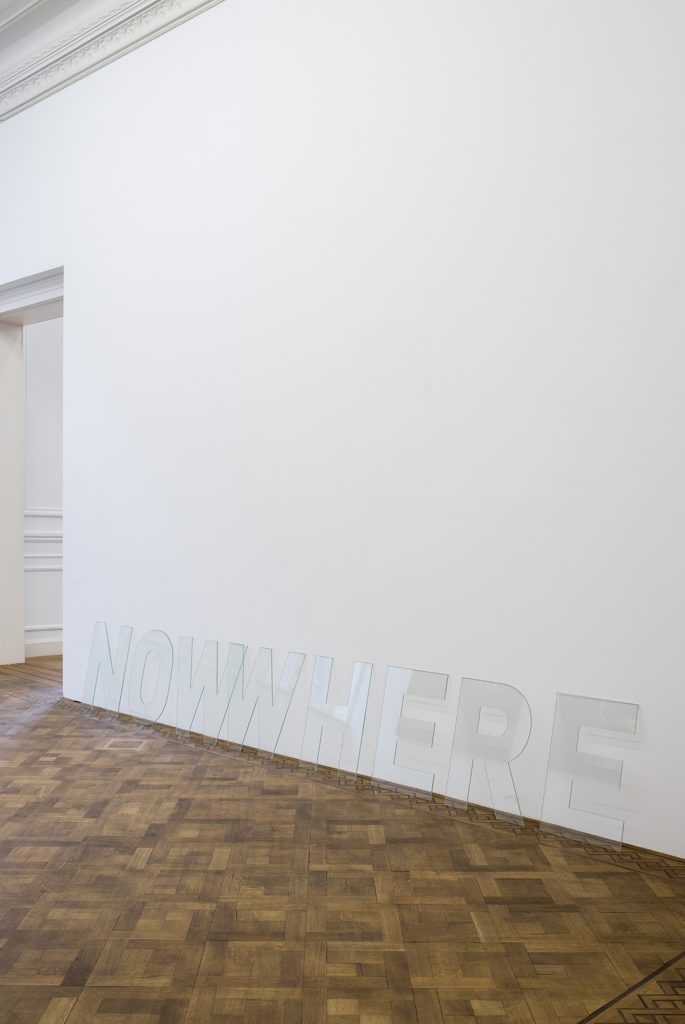 Melik Ohanian, Nowwhere, 2016, Letters in glass,  60 x 360 x 0,5cm, Unique