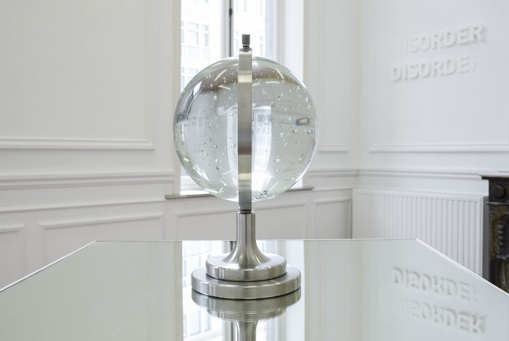 Melik Ohanian, Futuring (cosmos), 2011, glass, metal, mirror, pedestal 140 x 100 x 100 cm, edition of 3