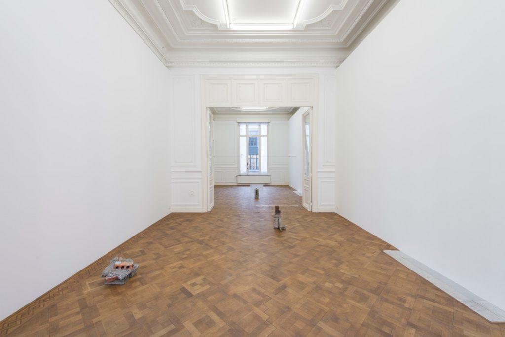 Miroslaw Balka, Der Aufbruch, 2018, installation view