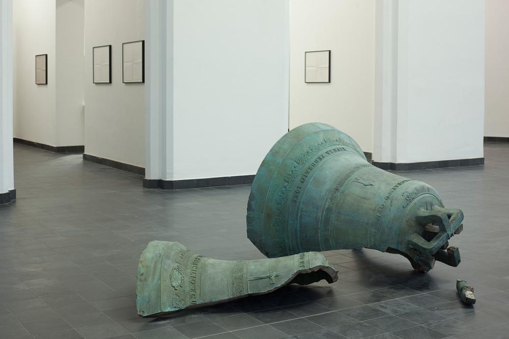 Latifa Echakhch, Forever Mi (3+35), 2018, bronze, variable dimensions, unique