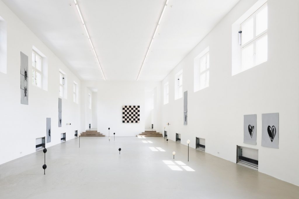 Sarah Ortmeyer, exhibition view, Kunstverein München, 2018