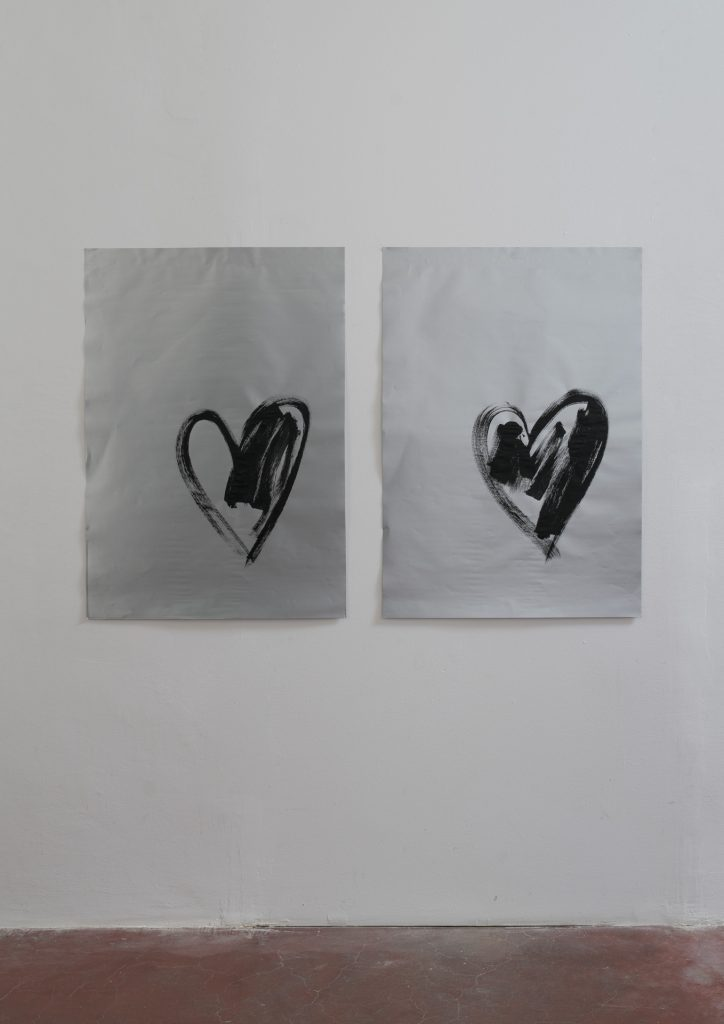 Sarah Ortmeyer, HERZ I and HERZ III, 2018, gesso on silver paper, 100 x 70 cm each, unique