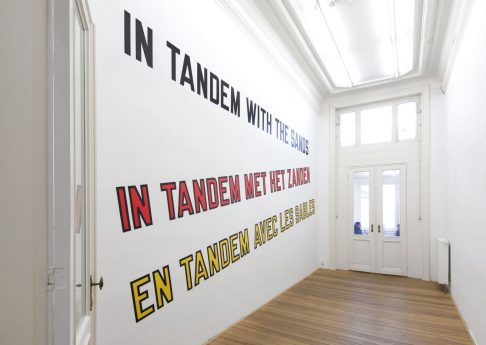 Lawrence Weiner, IN TANDEM WITH THE SANDS, 2018, language + materials referred to