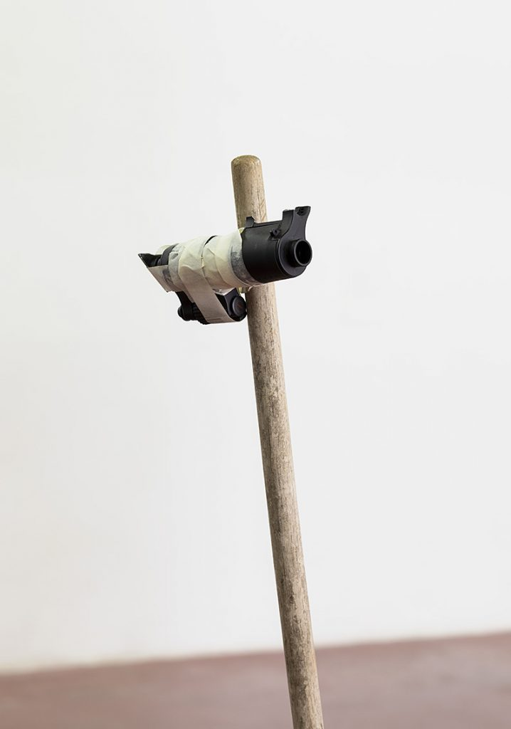 Shai-Lee Horodi, Eye Mirror, 2018, Found objects, concrete, tape, 136 x 27 x 27 cm, Unique
