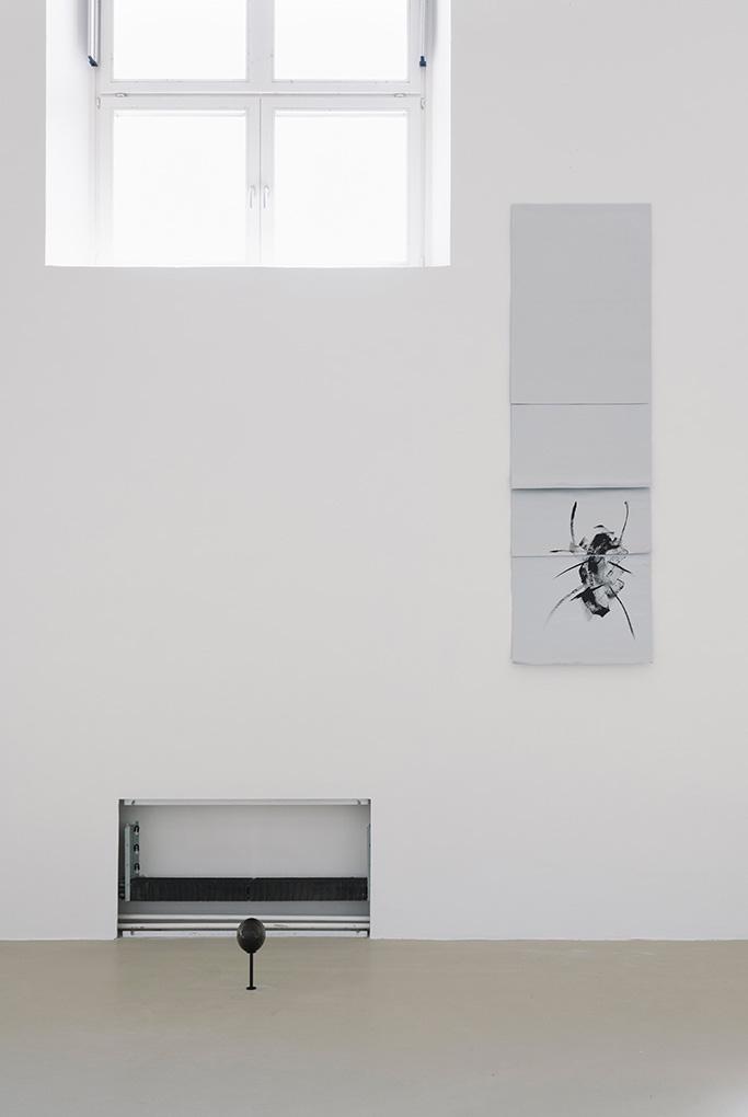 Sarah Ortmeyer, FLYRT, 2018, exhibition view, Kunstverein München