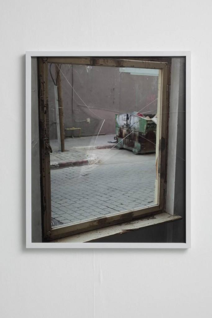 Ariel Schlesinger, The Kid 8, 2013, archival pigment print, glass, 116 x 96 cm, unique