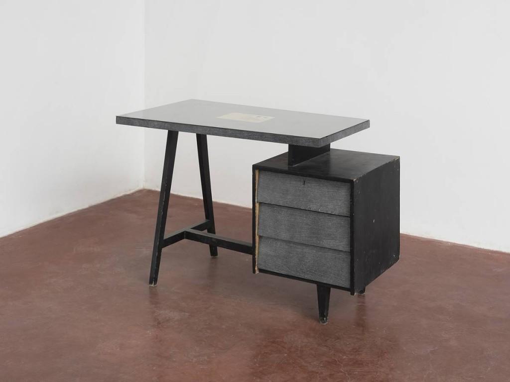 Mircea Cantor, Les yeux seuls sont encore capables de pousser un cri, René Char, 2014, paper, ink, 16 x 22.5 cm, edition of 3