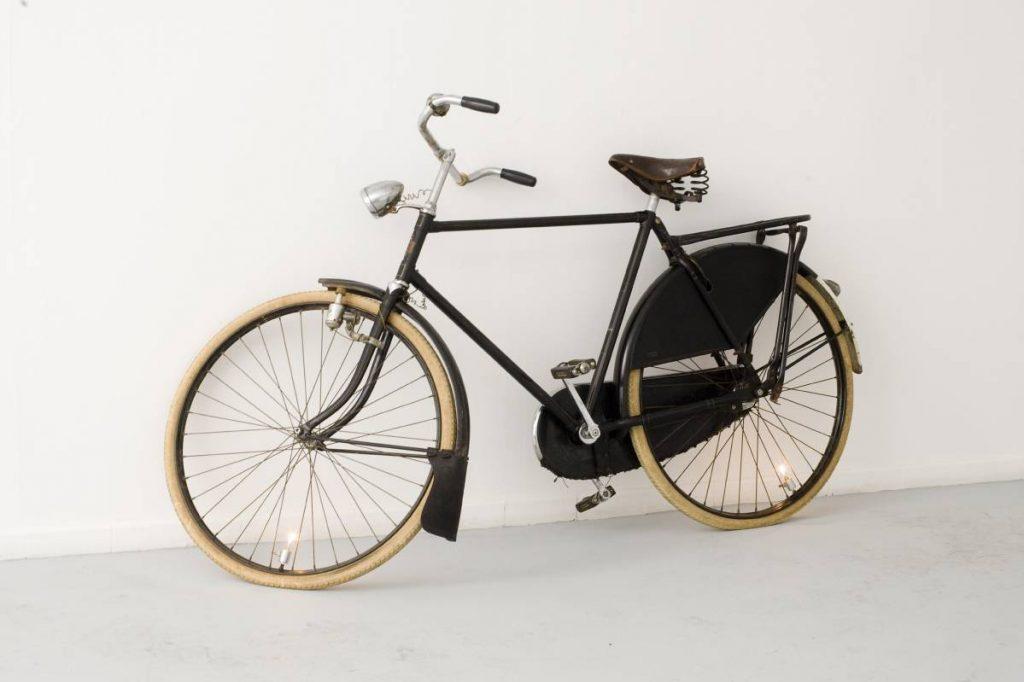 Ariel Schlesinger, Low Potential Disturbance (bicycle), 2008