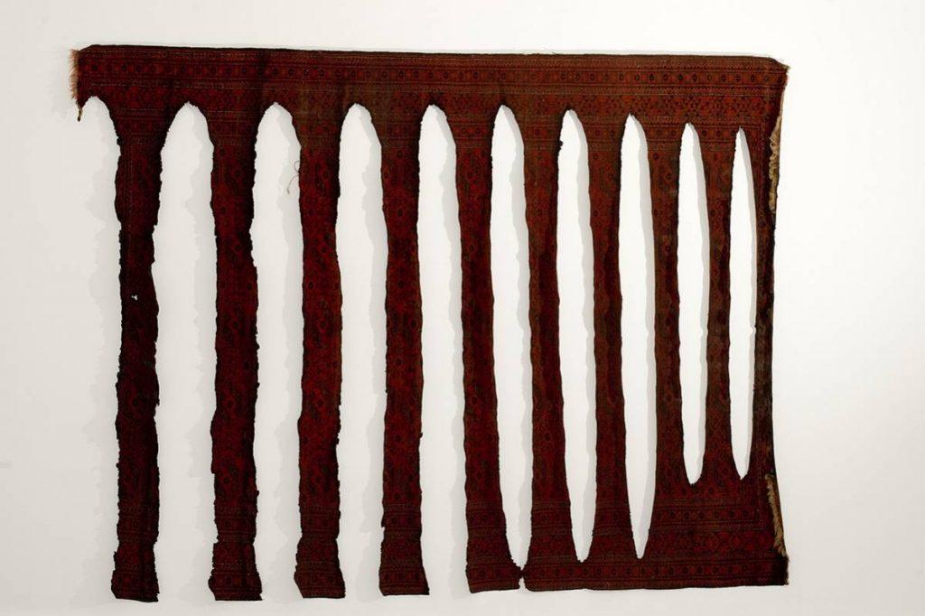 Ariel Schlesinger, Untitled, 2008, carpet, Mixed media, unique copy