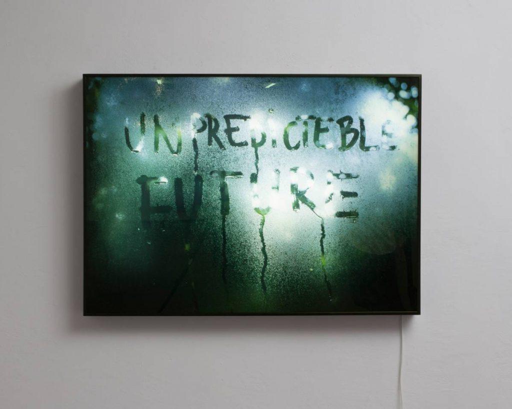 Mircea Cantor, Unpredicteble Future, 2015, lightbox, 72 x 100 x 7 cm