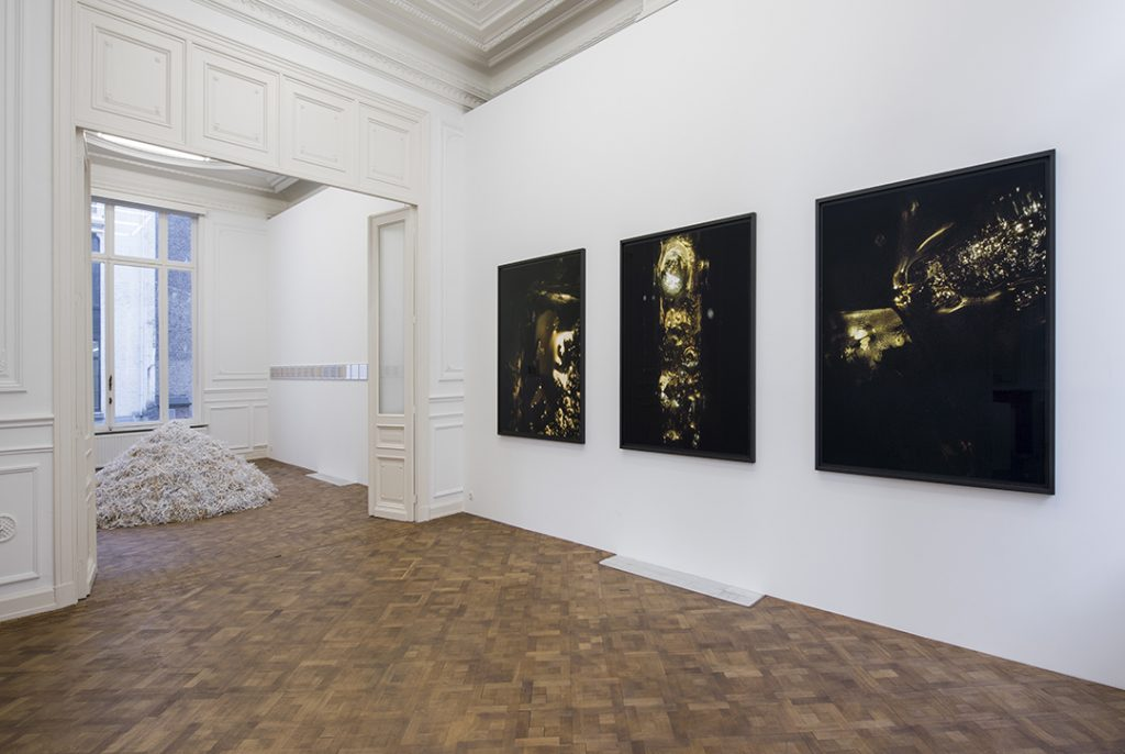 Melik Ohanian, IN TIME, 2017, Exhibition view, Dvir Gallery, Brussels