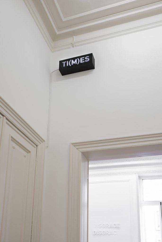 Melik Ohanian, Word(s) — Serie II, TI(M)ES, 2014, Animated lightbox with LED,17 x 50 x 12.5cm, 1/1 + 1AP