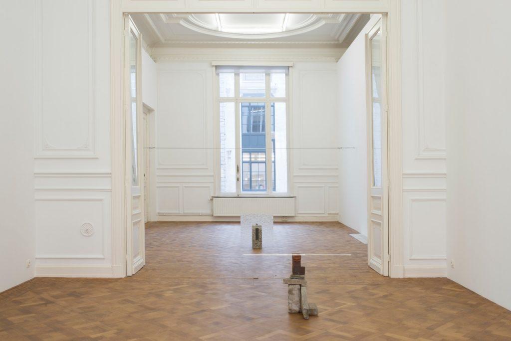 Miroslaw Balka, Der Aufbruch, 2018, installation view, Dvir Gallery, Brussels