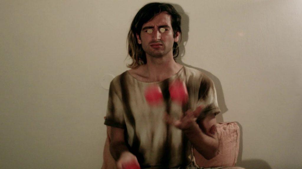 Shai-Lee Horodi, Three balls, eyes closed, 2015, 3'' video, variable dimensions, edition of 3 + 1 AP